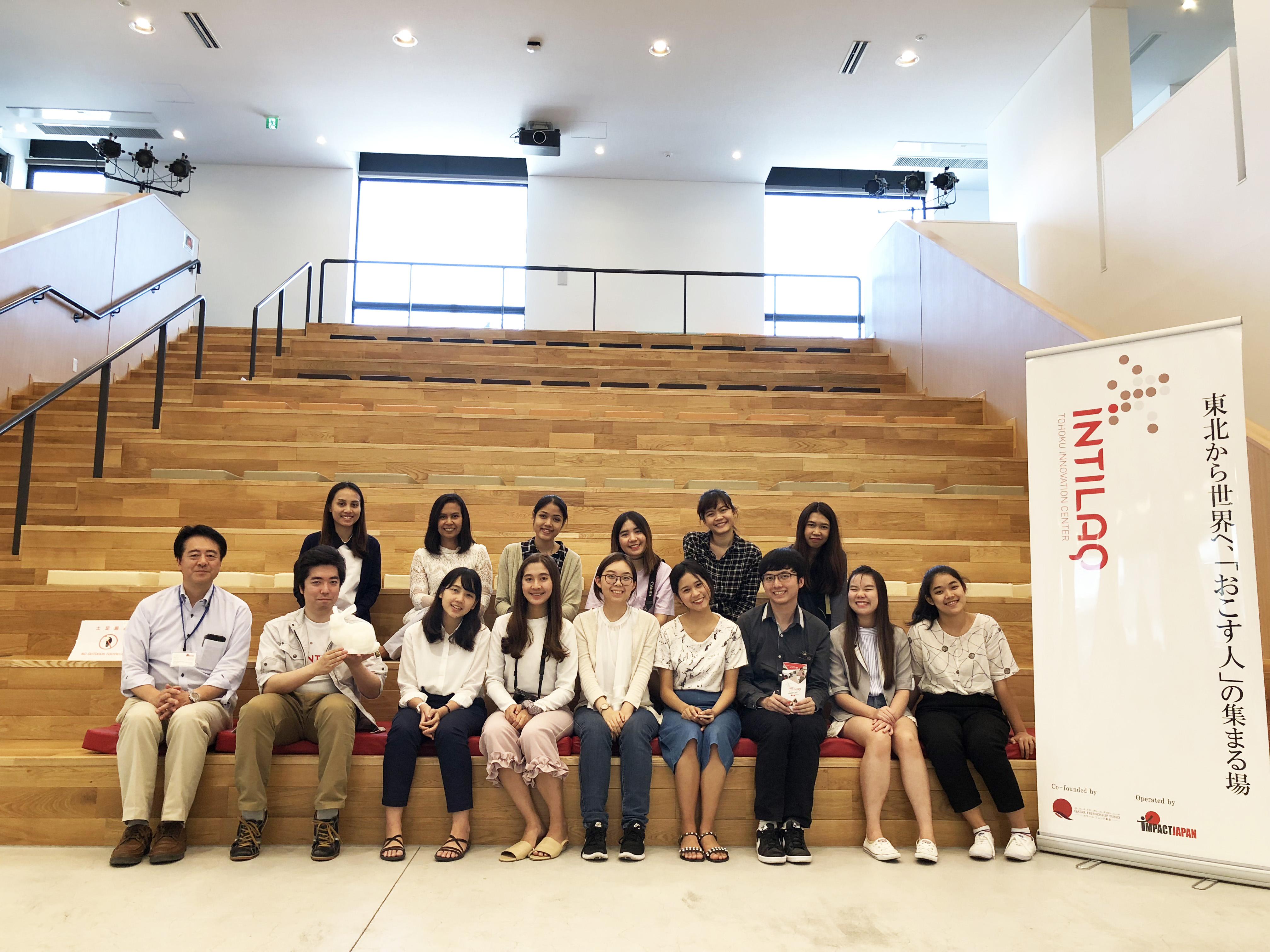 タイ チュラロンコン大学の学生の皆様においでいただきました
