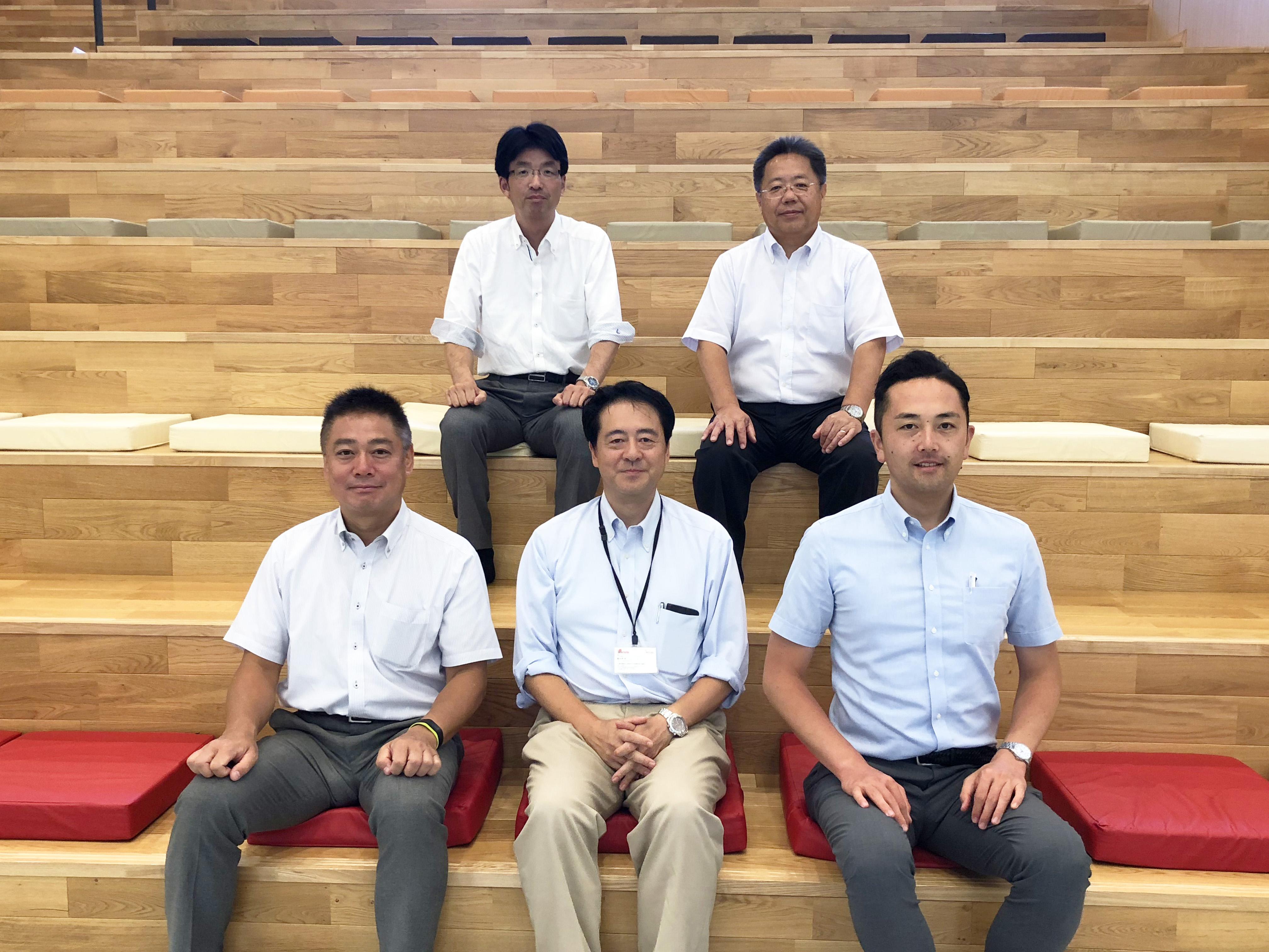横浜市議会議員の方々4名様にご見学いただきました