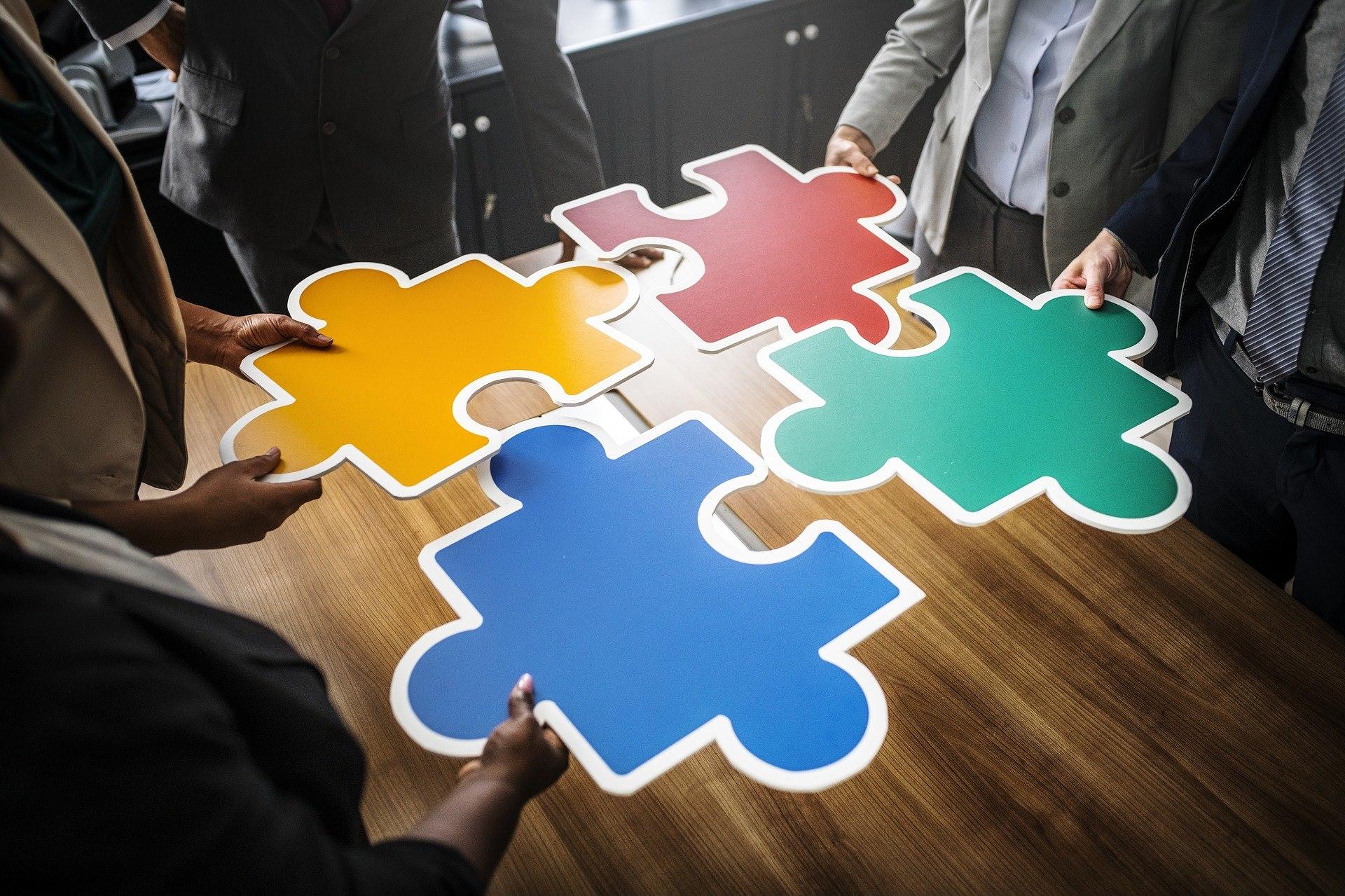 個人もチームも活き活きとする組織づくりって?-対話・コーチングの組織活用事例から学ぶ